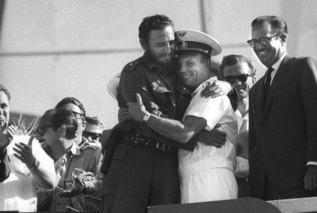 Встреча Юрия Гагарина и Фиделя Кастро